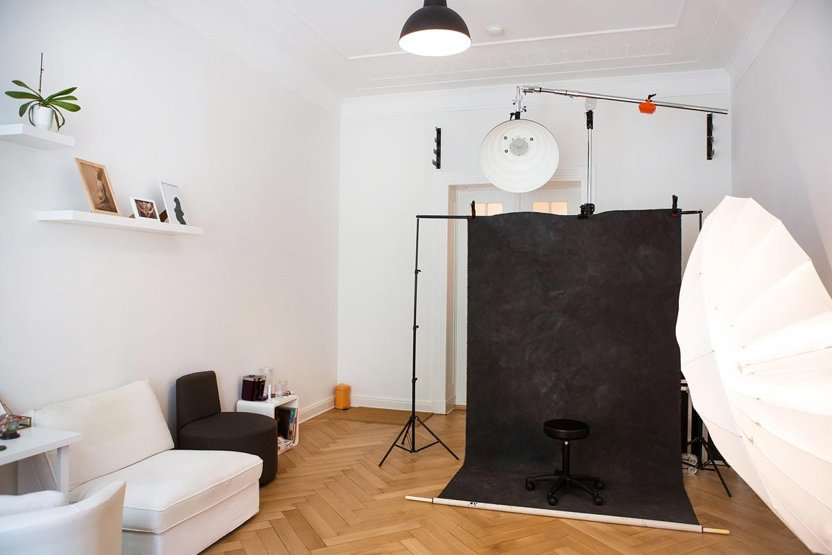 Larisa Fotostudio Donna Bellini Berlin Schwangershaft Fotografie background and lightning